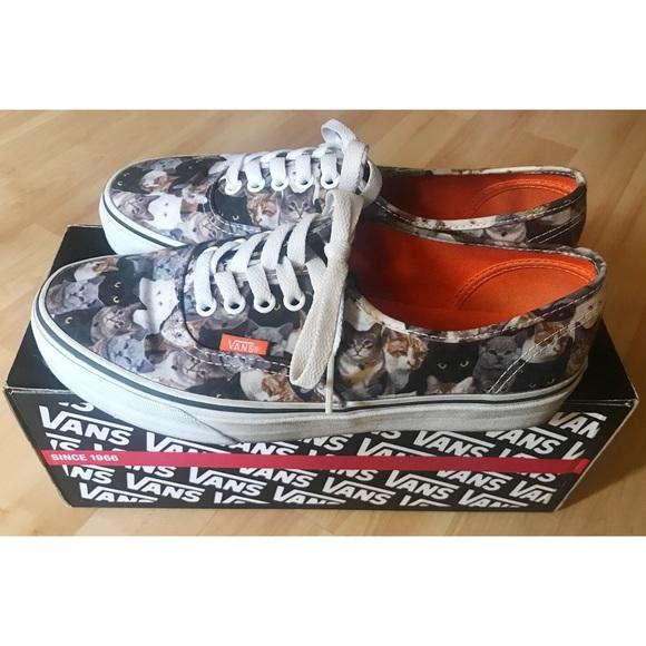 75b20065fc Vans x ASPCA Authentic Cat Print Sneakers. M 5a7f889161ca10c7515c969b